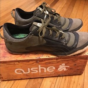 Men's Cushe Boutique Sneak Charcoal Sz 10